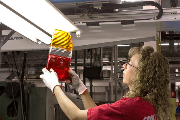 Plastics Products Manufacturing Worker Career Information - IResearchNet