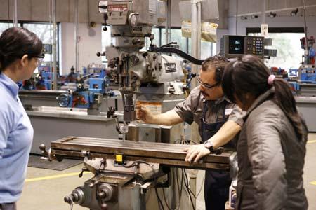 precision machinist career information iresearchnet - Machinist Job Duties