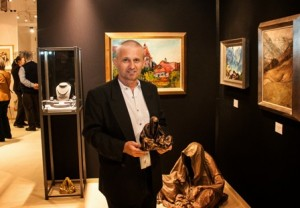 Antiques and Art Dealers